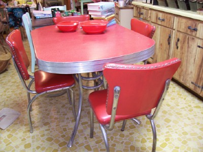 Retro kitchen table and chairs set home designs project for Retro kitchen table and chairs