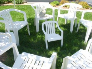 White Plastic Lawn Chairs