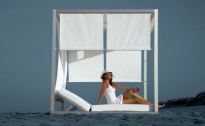 Outdoor White Bed Furniture 2011