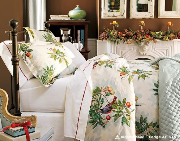 Interior Decor Using Christmas Collection Beddings