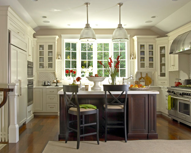 Modern country kitchen layout afreakatheart for Beautiful kitchen designs with white cabinets
