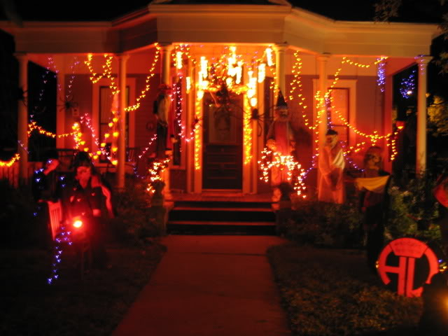 Halloween home decorations sale halloween home for Home halloween decorations