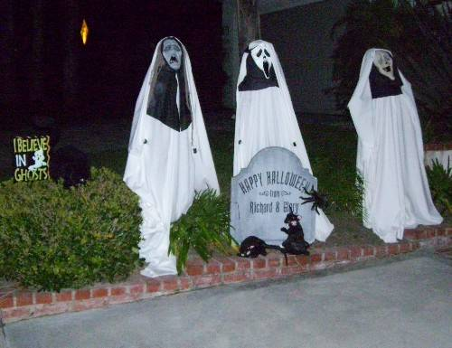 Halloween lawn decoration 3 ghosts
