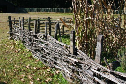 Colonial Garden Fence Home Designs Project