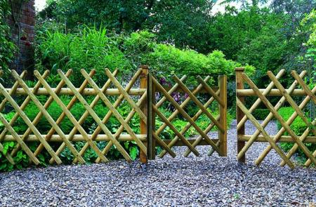 diamond-garden-fencing