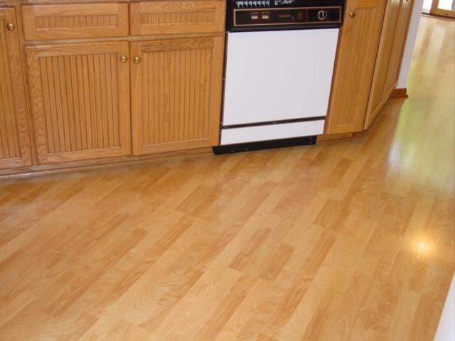 kitchen laminate wood floor