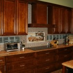 kitchen backsplash ideas with cream cabinets