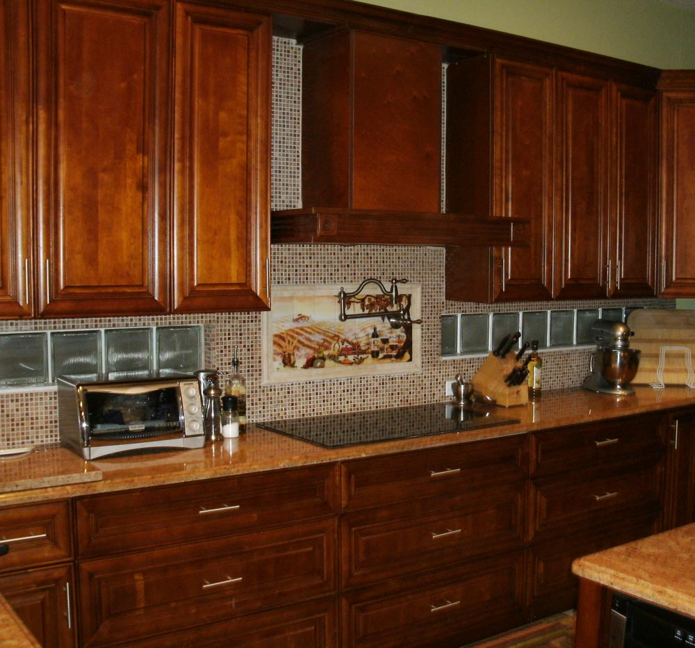 Kitchen backsplash ideas with cream cabinets home designs project Design kitchen backsplash glass tiles