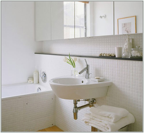 cleaning bathroom tiles tips