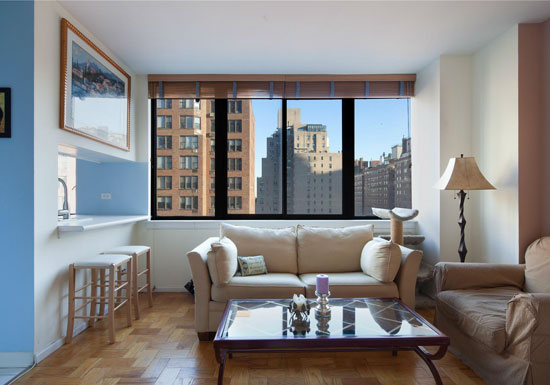 Living in an apartment best home design 2018 for Living room designs in apartment