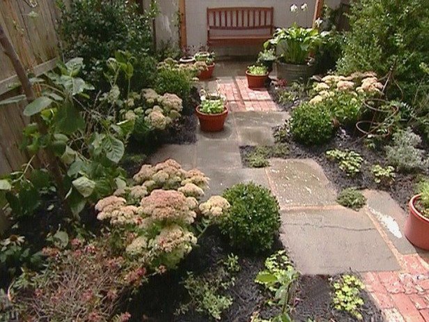 Small garden design examples home designs project for Small simple garden design ideas