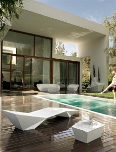 outdoor poolside furniture