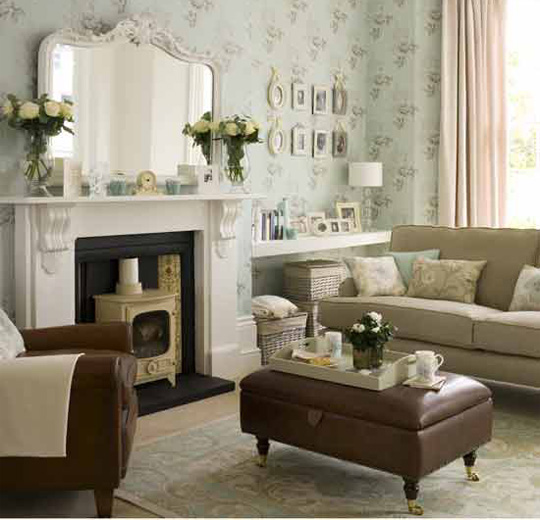Decorating Small Living Room: Small Living Room Decor