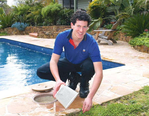 How to clean you swimming pool