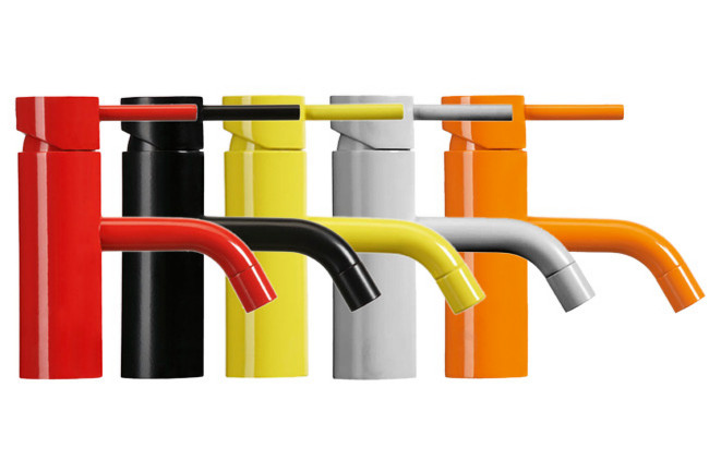 Colored and mat mixer taps for kitchen sinks