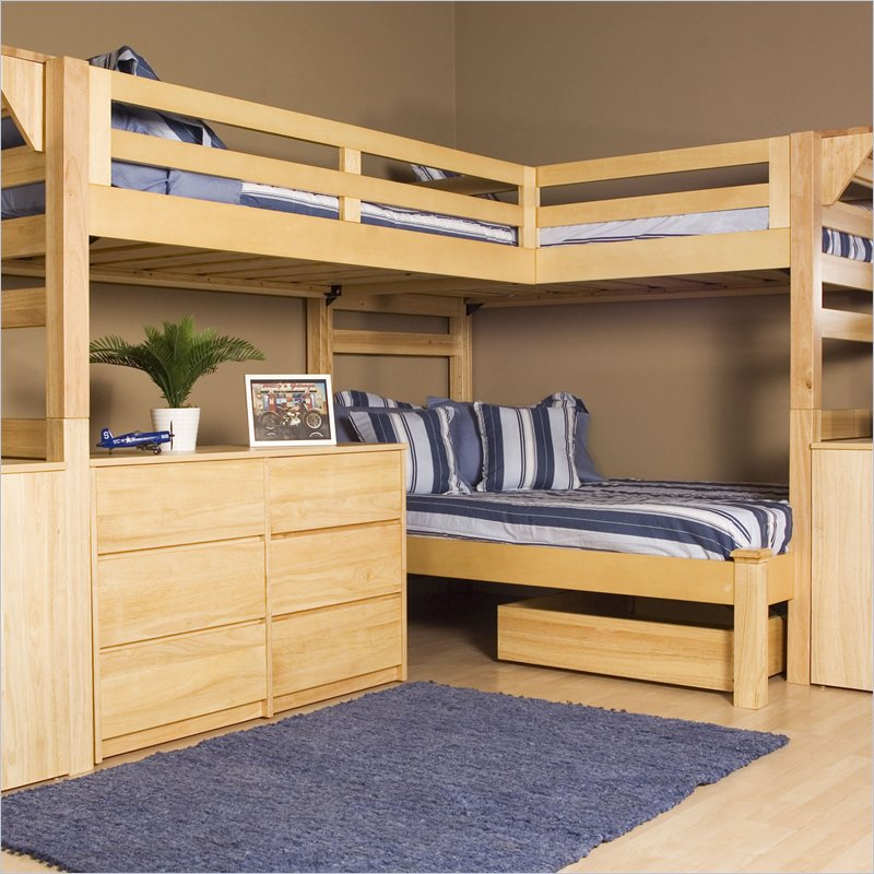 Shared kids room designs for three or more children for Room design 2 twin beds