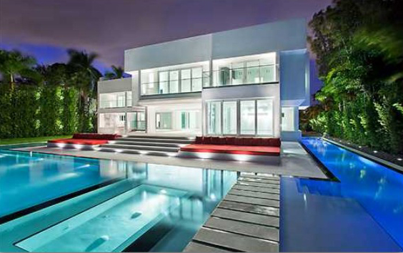 A modern house with a pool in Miami