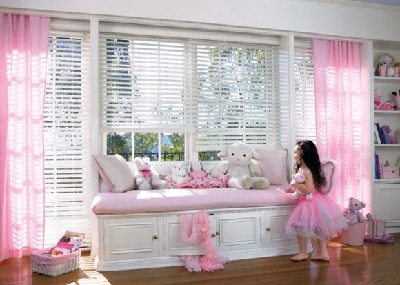 Fun, colorful curtains for a kids' playroom