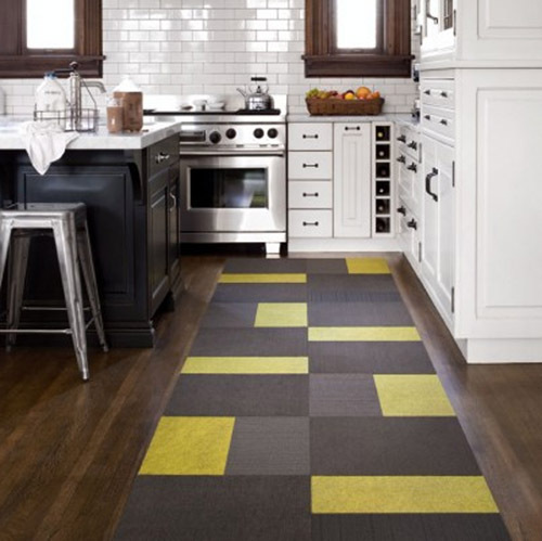 Small accent rug in bright colors for your kitchen